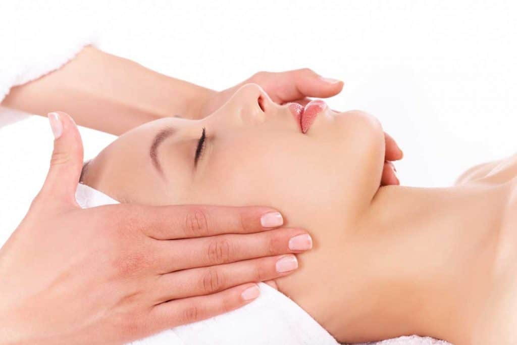 Natural Face-Lift Massage