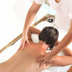 anti cellulite massage at wellness clinic